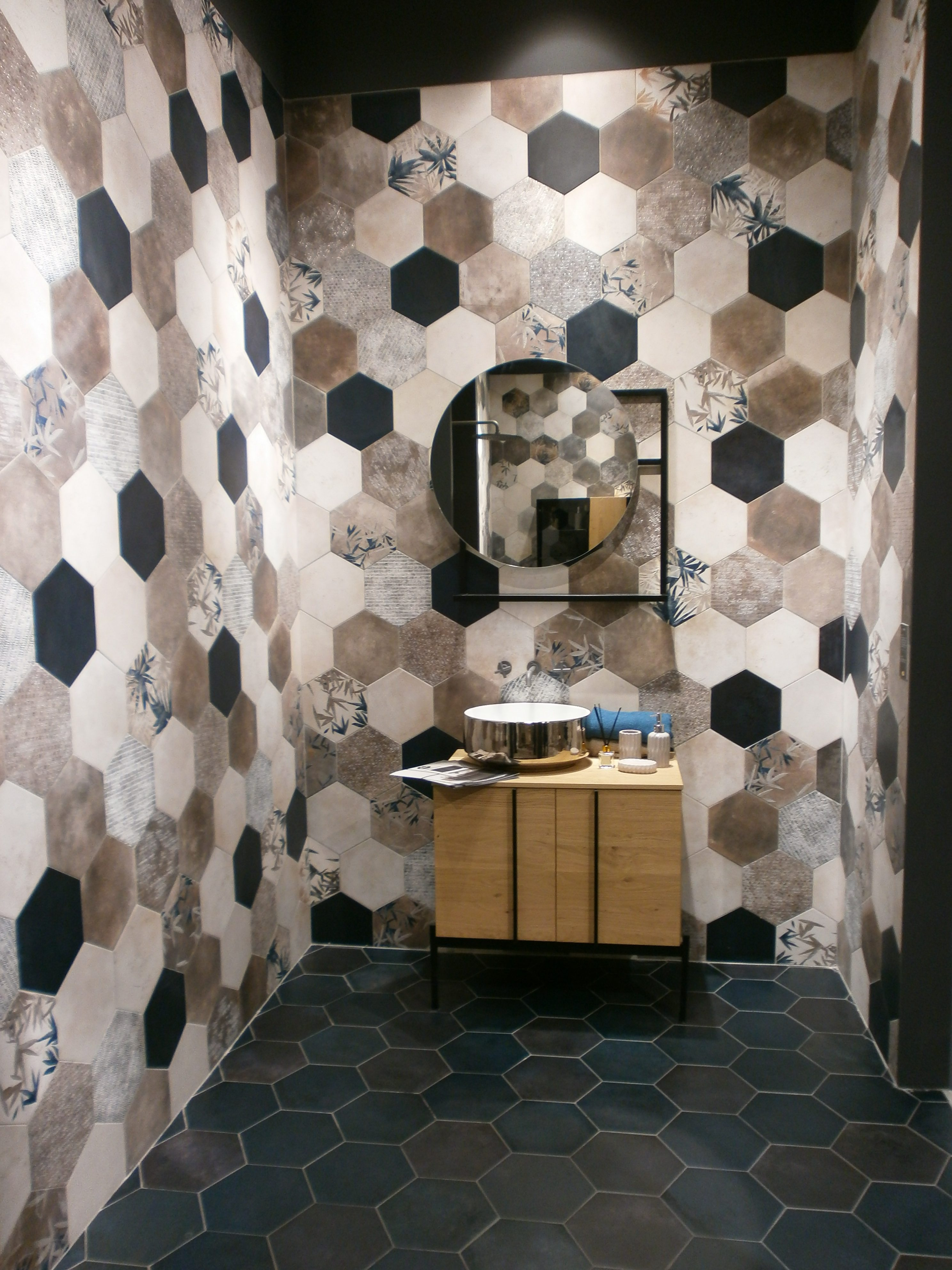 Edilambiente, dal 1981   Serramenti, scale, pavimenti, arredo bagno ...